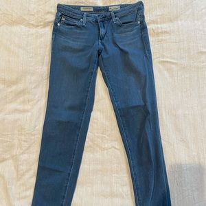 Women's AG classic skinny jeans! Size 26